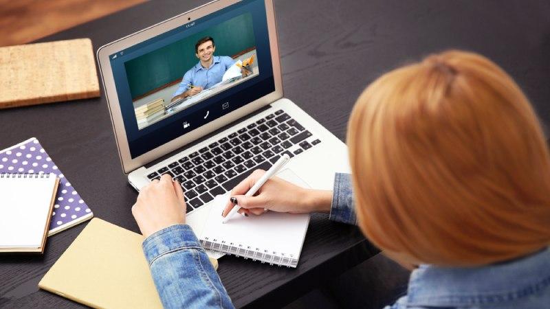 ganar dinero por internet vendiendo cursos